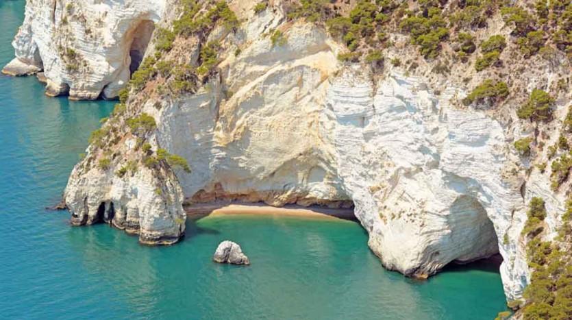 La piccolissima spiaggia denominnata Cala dei Morti