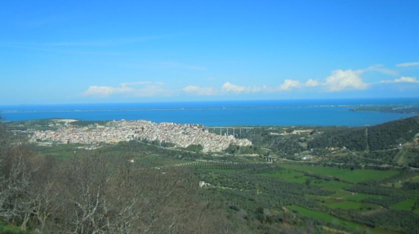 Cagnano Varano e il suo lago