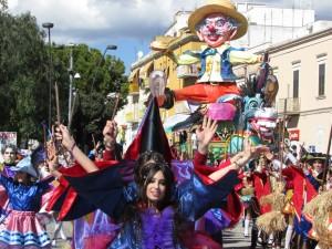 Manfredonia - Sfilata di carri e gruppi mascherati @ Manfredonia | Puglia | Italia